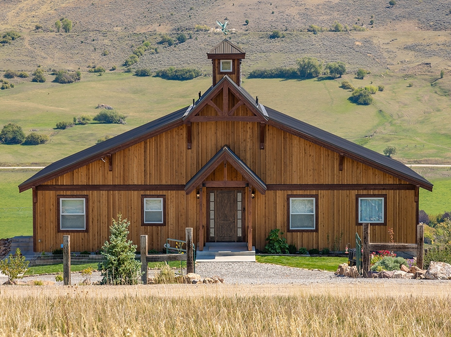 Idaho Hillside Barn Home